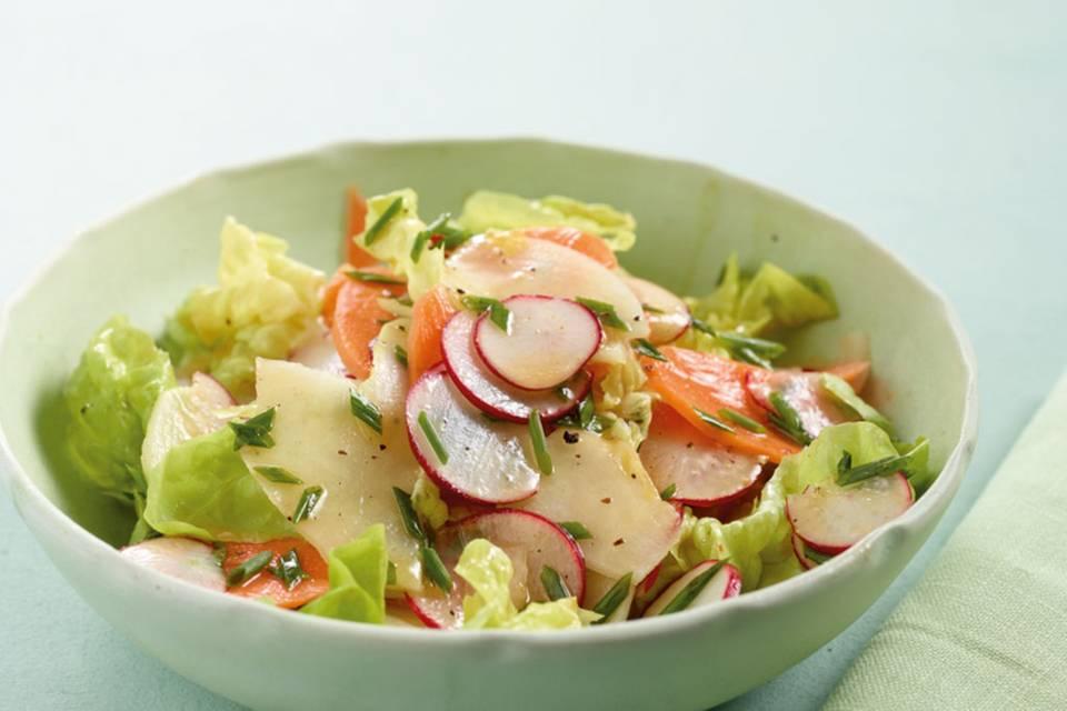 Frühlingssalat mit Hähnchen Rezept