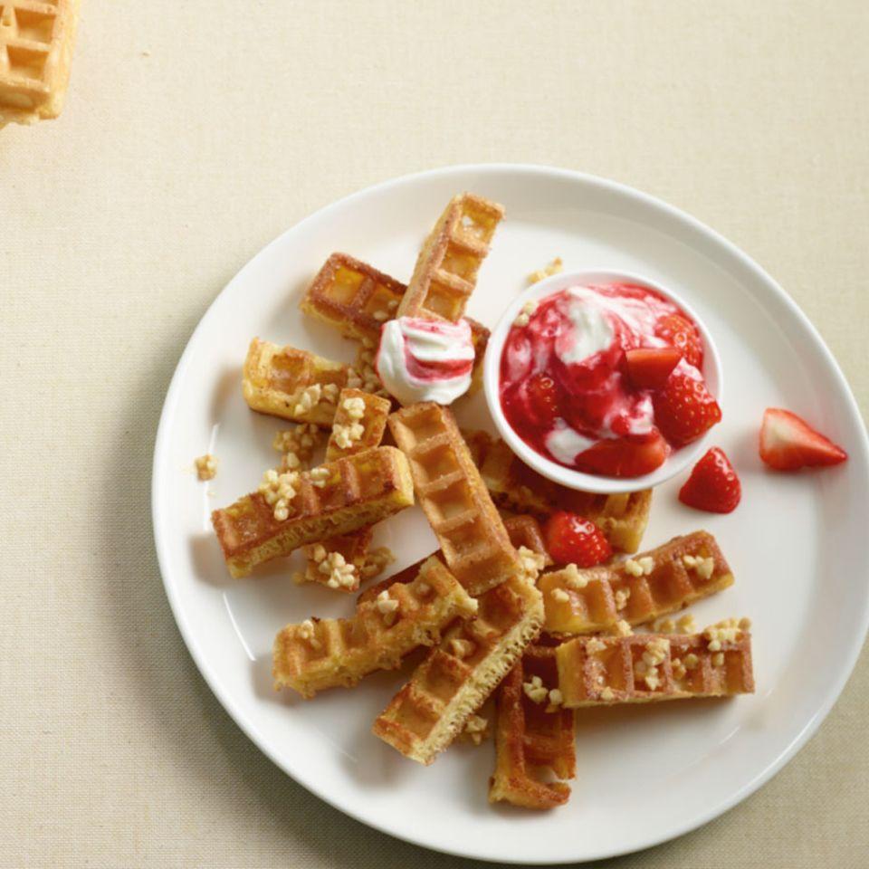 Süße Pommes mit Erdbeerquark