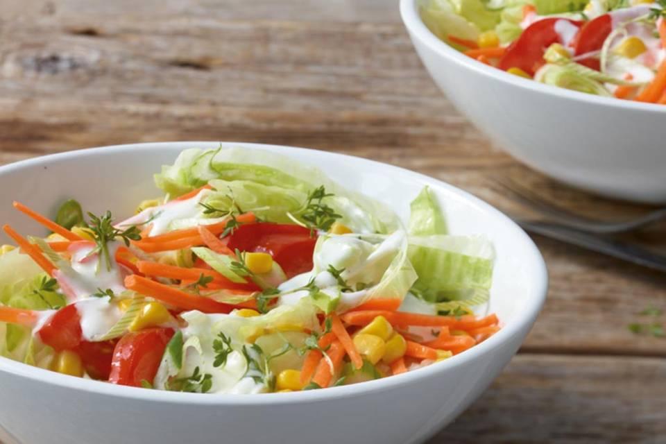 Bunter Salat mit Kressesauce Rezept