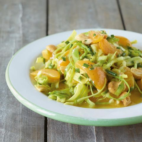 Spitzkohl-Aprikosen-Salat