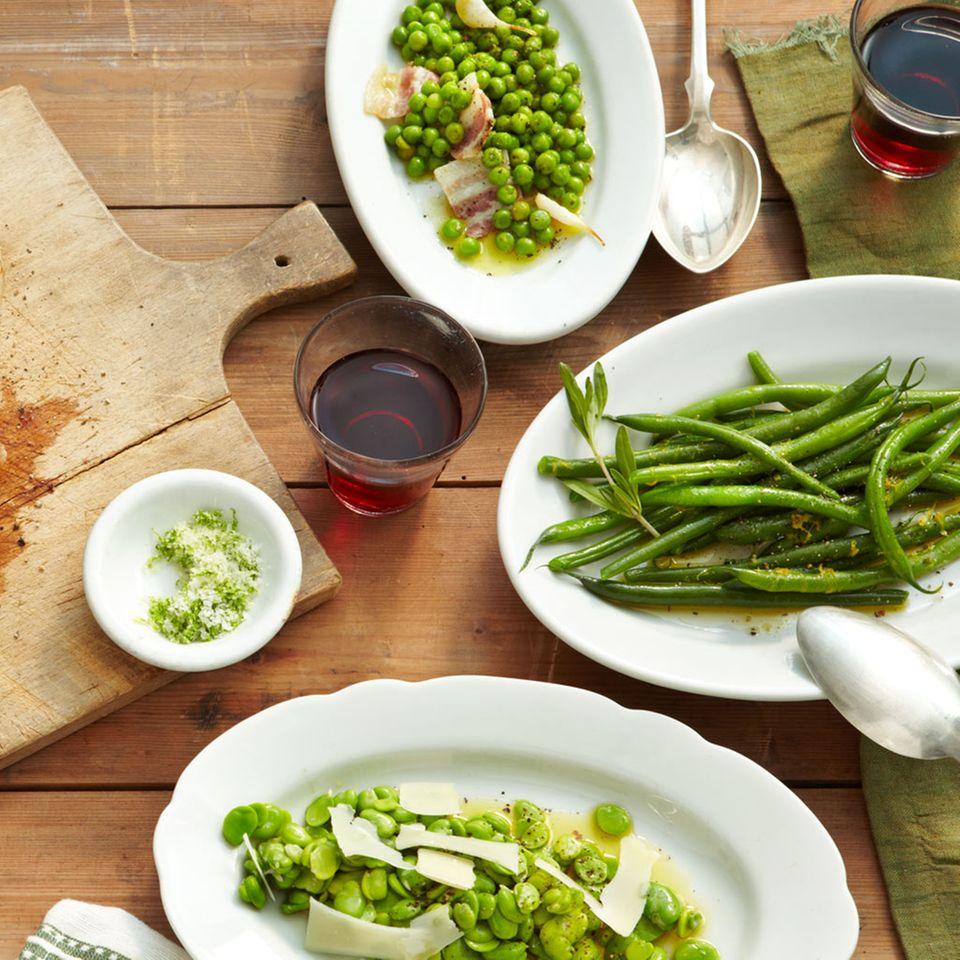 Erbsengemüse mit Pancetta und Knoblauch