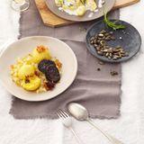 Kartoffelknödel mit Blutwurst und Zwiebelschmelze