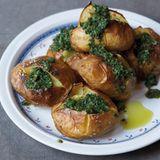 Ofenkartoffeln mit Salsa verde