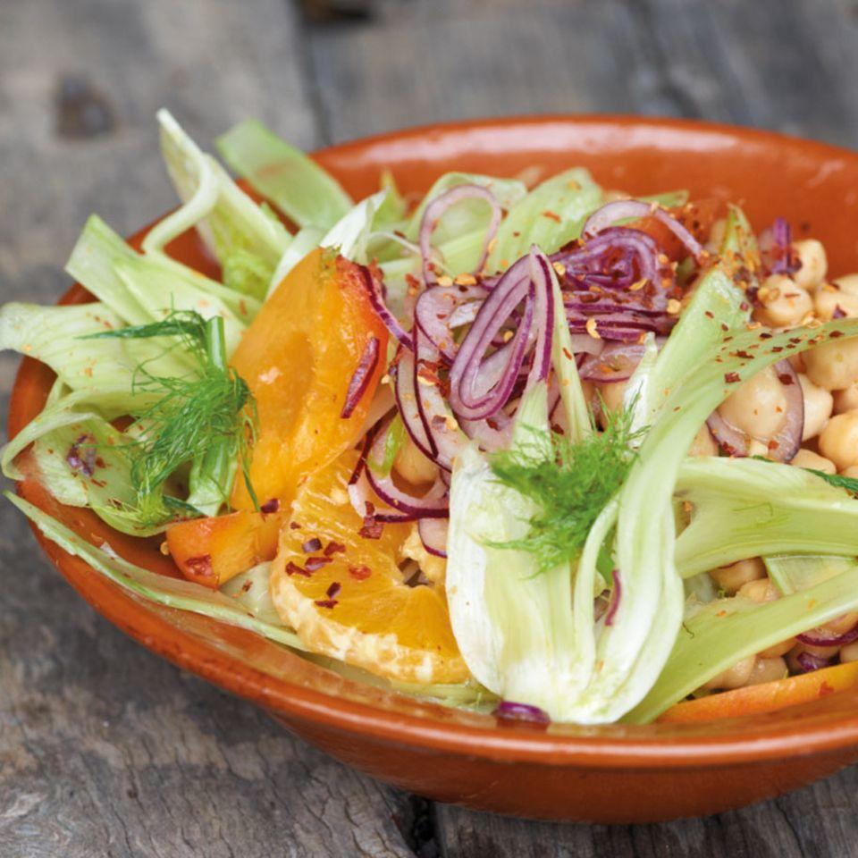 Kichererbsen-Fenchel-Salat mit Aprikosen und Orangen
