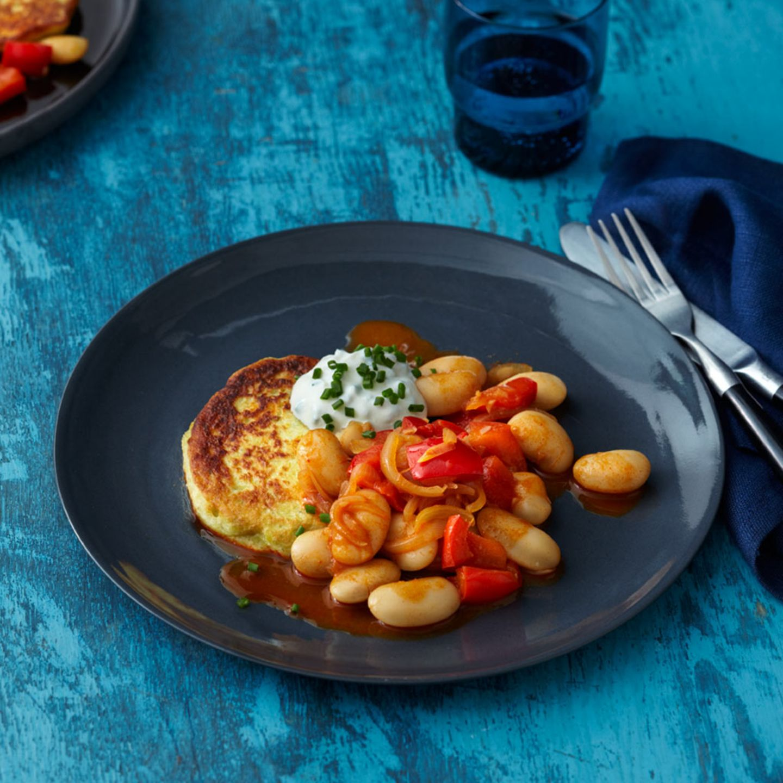 Bohnen-Paprika-Gemüse mit Topinambur-Kartoffel-Küchlein