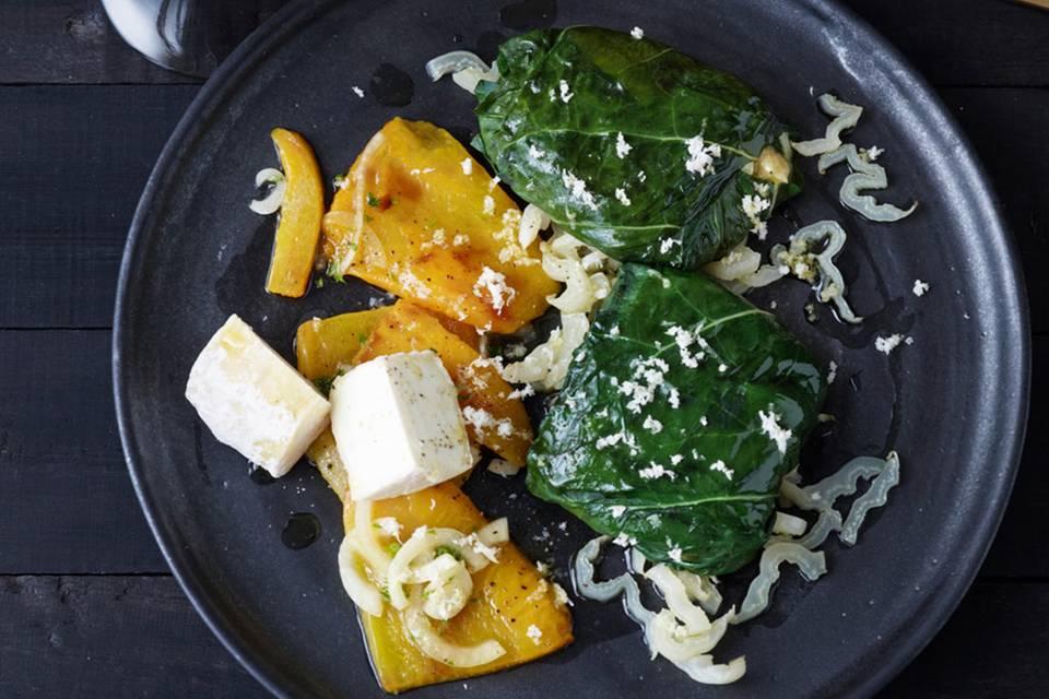 Mangoldblätter mit Schafskäse und Paprika Rezept