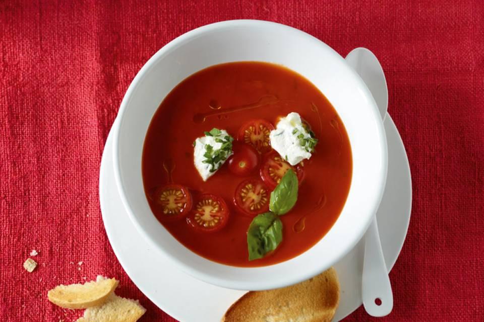 Tomatensuppe mit Ricotta Rezept