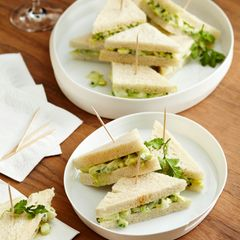 Eiersalat-Sandwiches mit Avocado