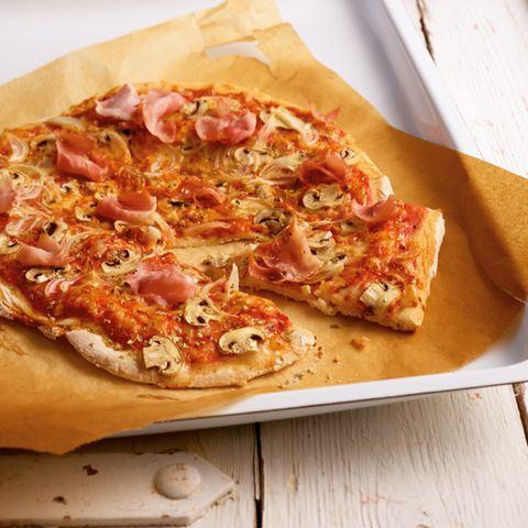 Schinken-Pilz-Pizza