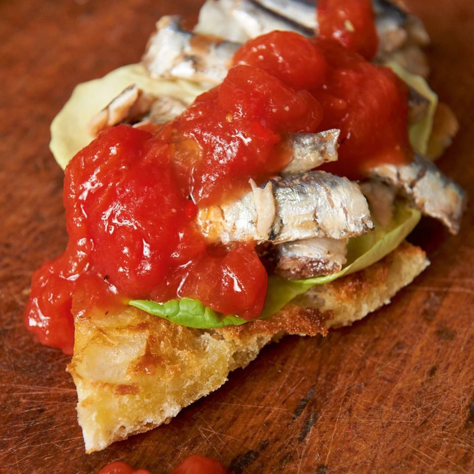 Sardinenbrot mit Tomatenmarmelade