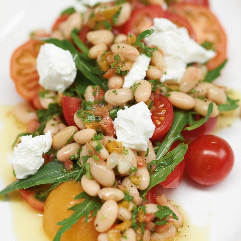 Tomaten-Aprikosen-Salat