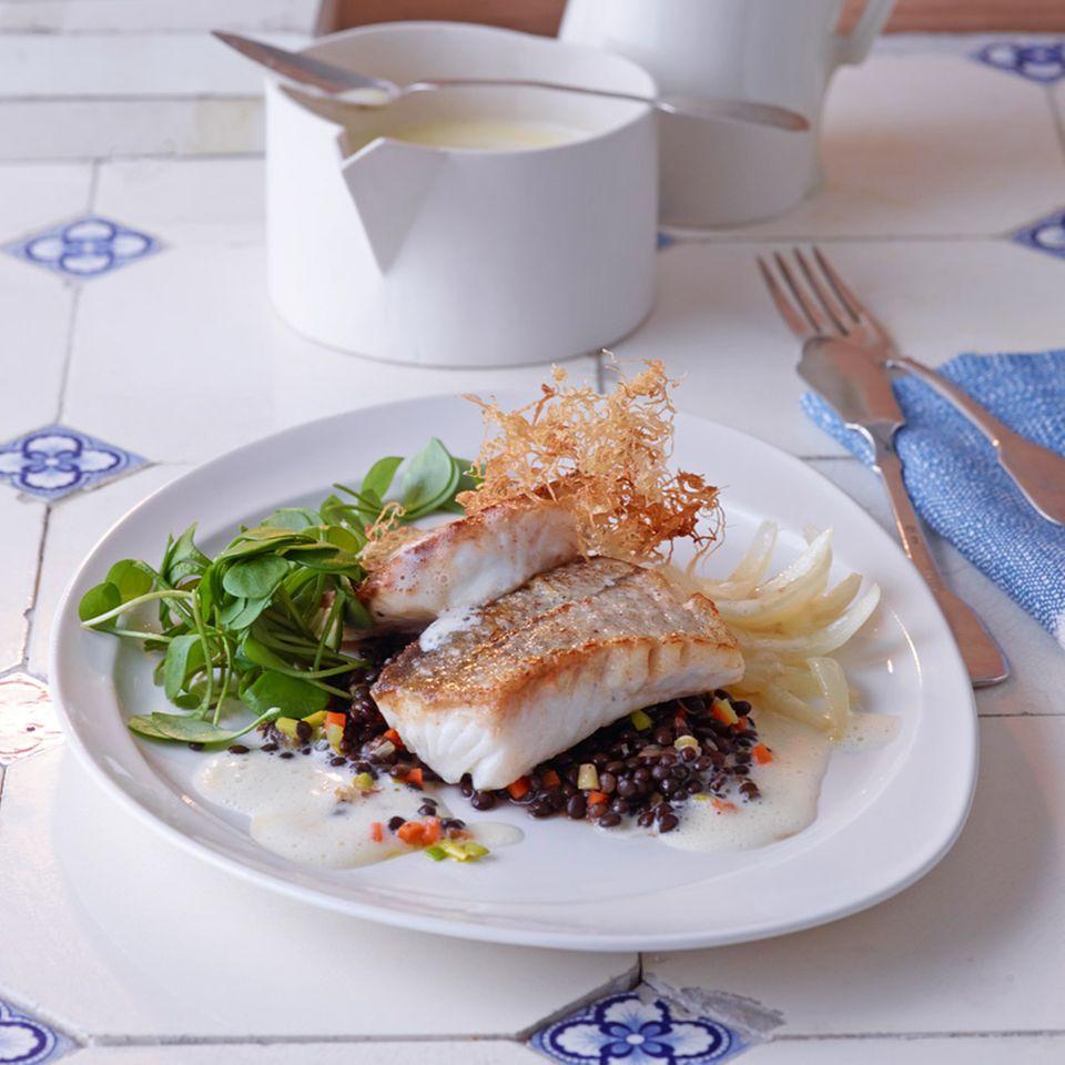 Schellfisch mit Linsengemüse und Zitronen-Beurre-Blanc