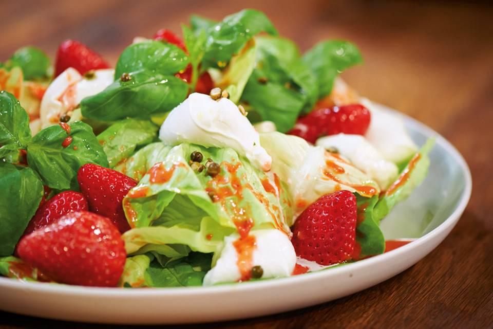 Kopfsalat mit Erdbeer-Vinaigrette Rezept