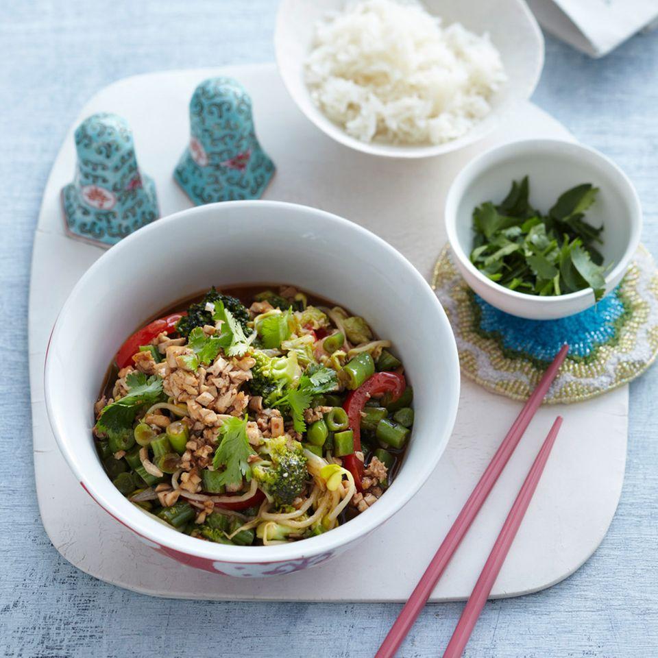 Gemüsepfanne mit Tofu