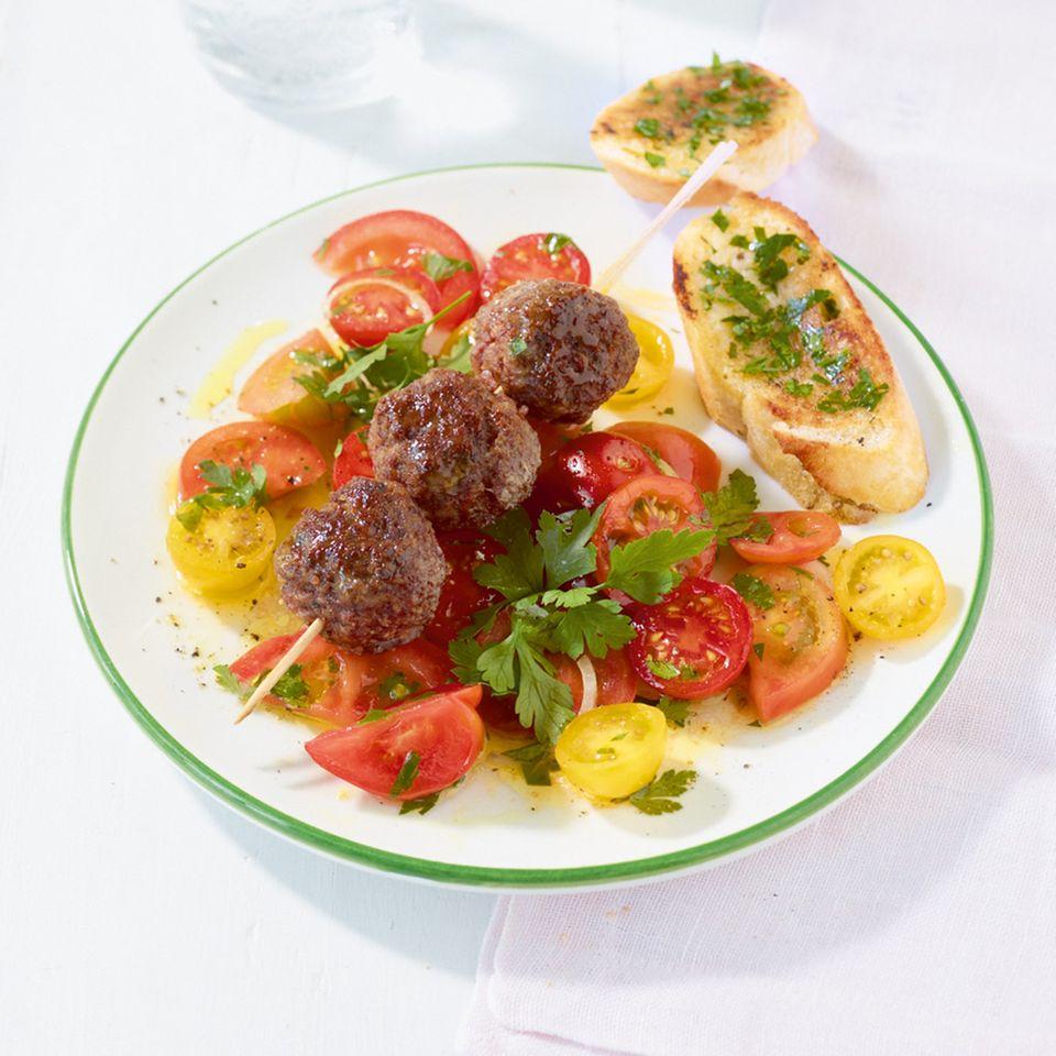 Tomatensalat mit Hackbällchen