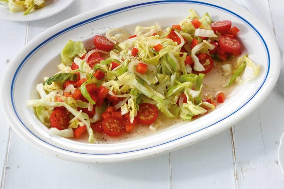 Spitzkohl-Paprika-Salat Rezept