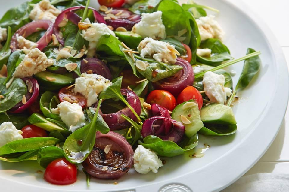 Spinatsalat mit Büffelmozzarella Rezept