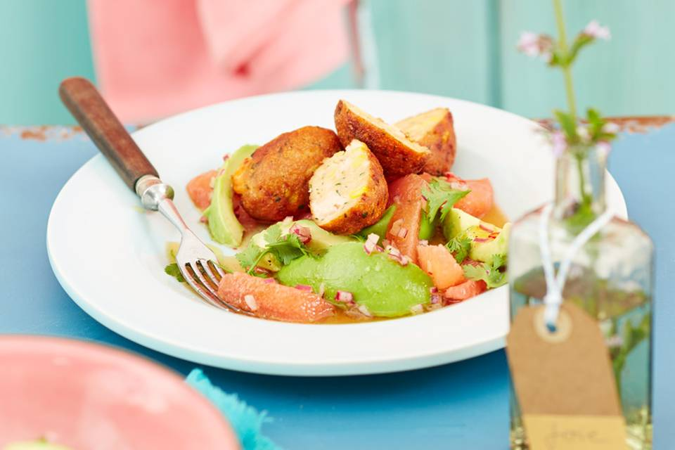 Seafood Cakes mit Avocado-Grapefruit-Salat Rezept