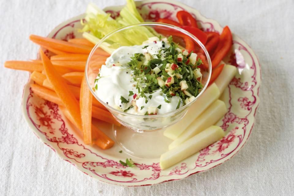 Gemüse mit Joghurt-Dip Rezept