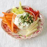 Gemüse mit Joghurt-Dip