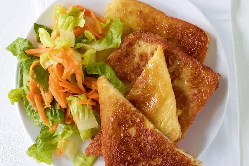 French Toast mit Salat Rezept