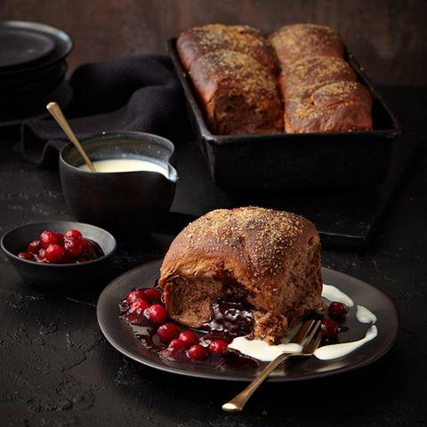 Dampfnudeln mit Cranberrysauce