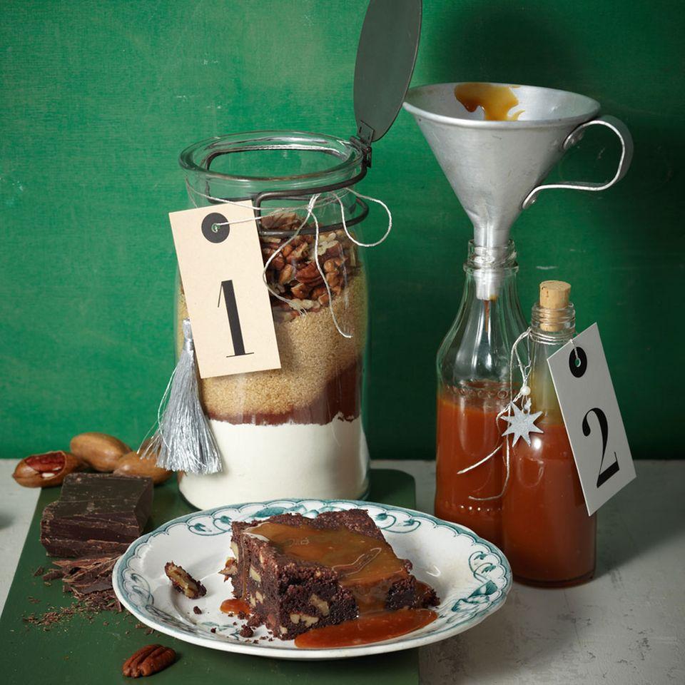 Brownie-Mix und Salz-Karamellsauce