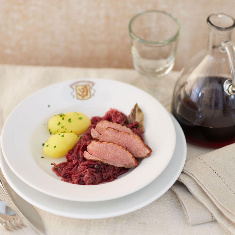 Entenbrust auf Aronia-Sauerkraut