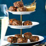 Rindfleisch-Kichererbsen-Buletten mit Sesam-Dip