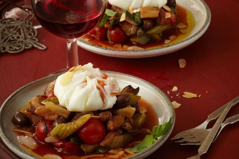 Sizilianisches Auberginengemüse mit pochiertem Ei Rezept