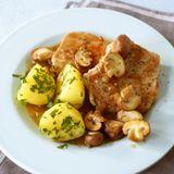 Schnitzel mit Pilzragout