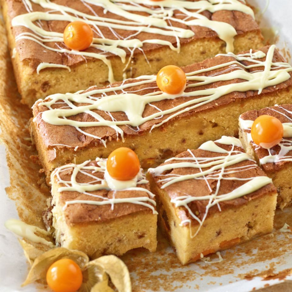 Blondies mit Kapstachelbeeren