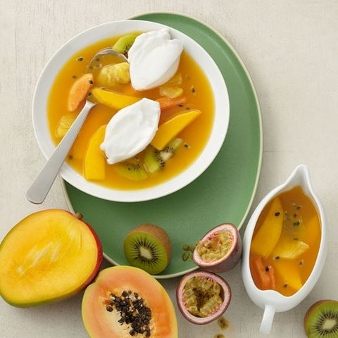 Heisse Exoten-Fruchtsuppe