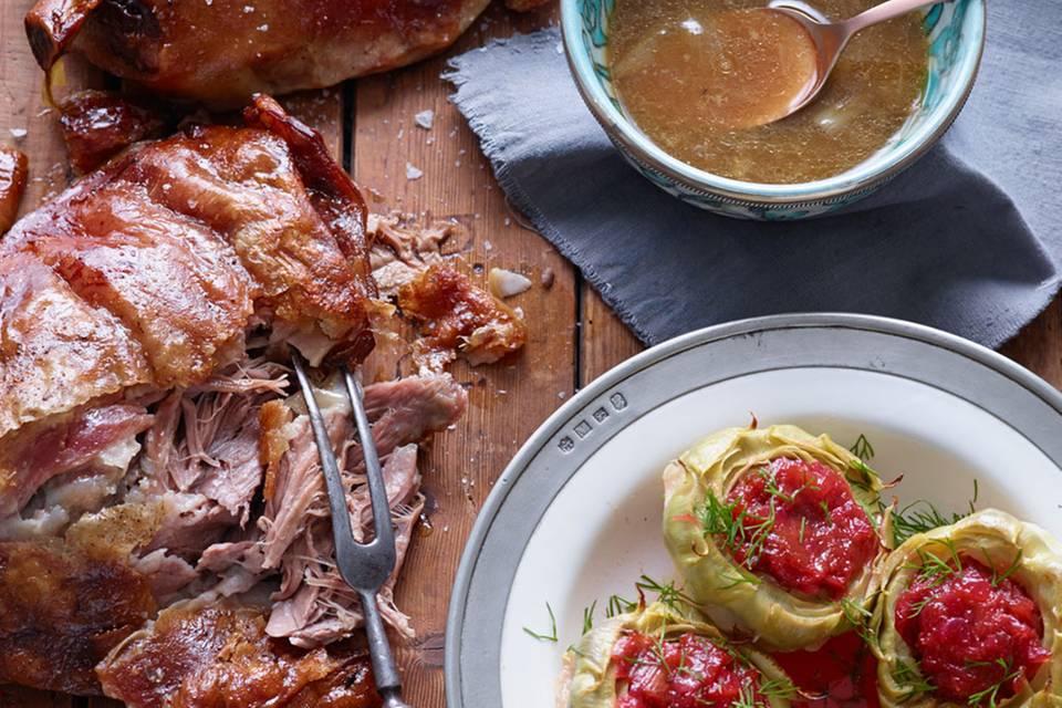 Geschmorte Lammschulter mit Artischocken und Rhabarber-Chutney Rezept