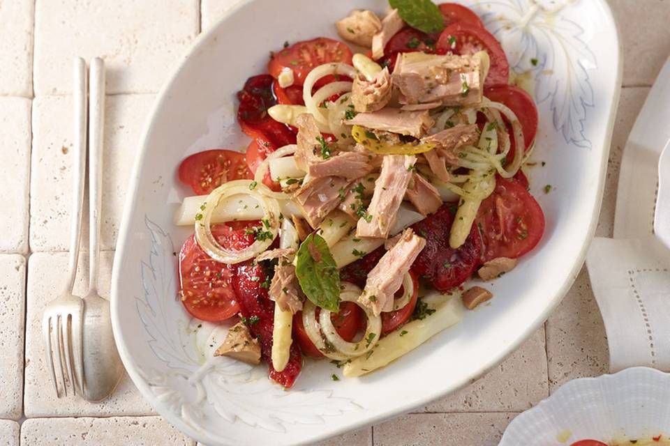Tomatensalat mit Mariniertem Thunfisch Rezept