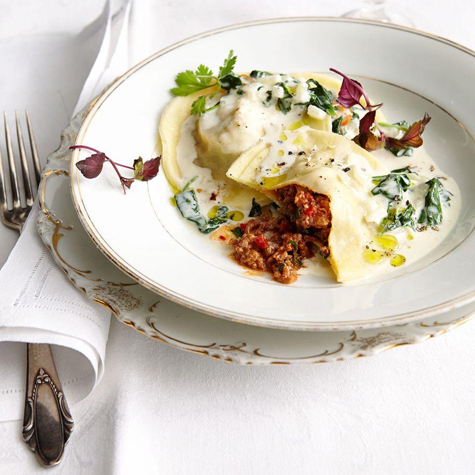 Bolognese schmeckt auch als Füllung toll!