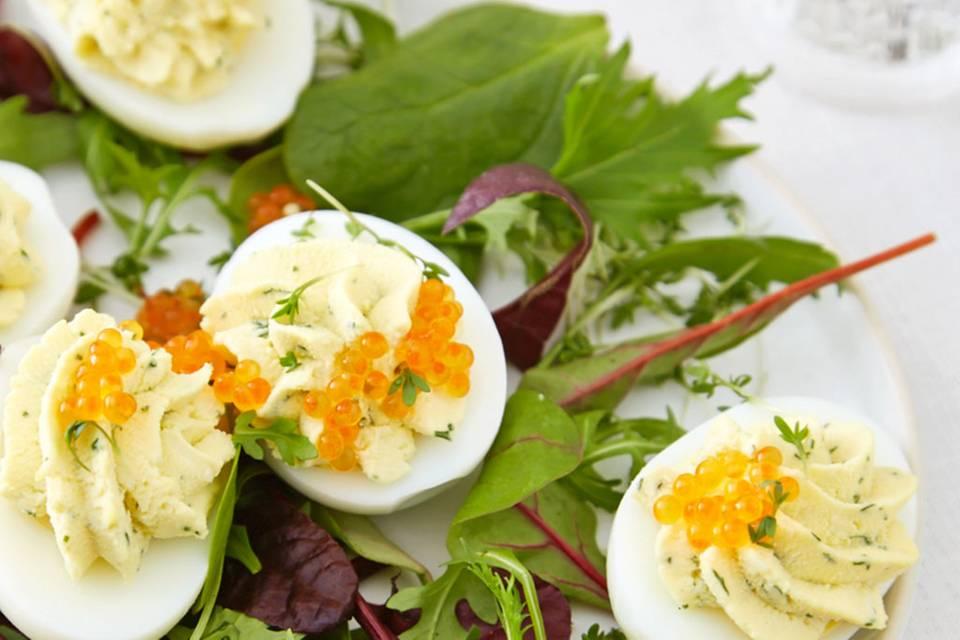 Gefüllte Eier mit Forellenkaviar Rezept