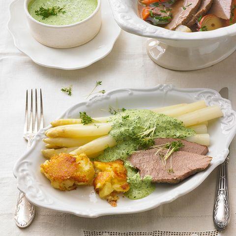 Spargel mit Ochsenbrust und Grüner Sauce