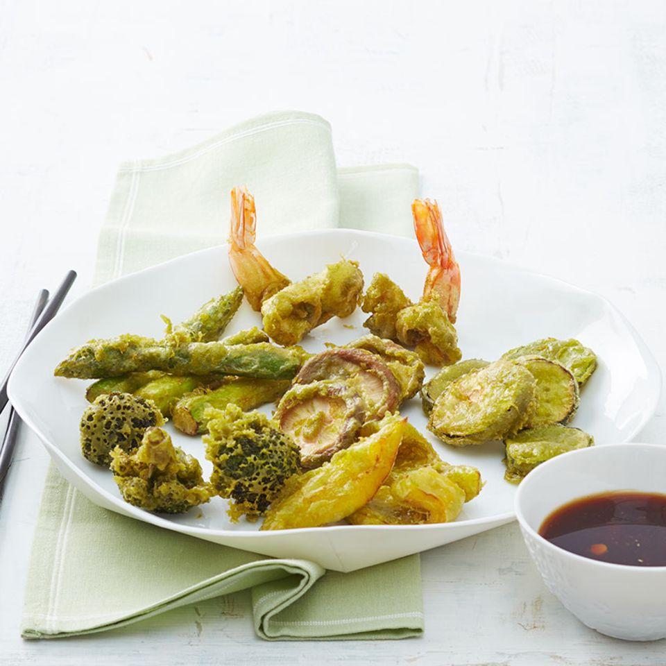 Gemüse und Garnelen in Matcha