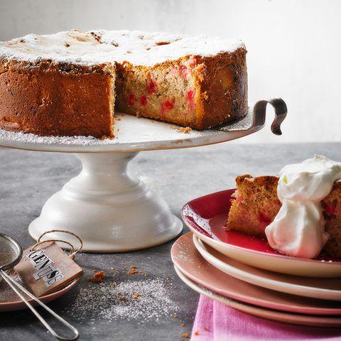 Rhabarber-Baiser-Torte