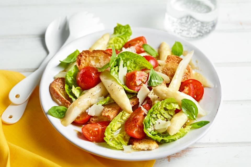 Spargel-Brot-Salat Rezept