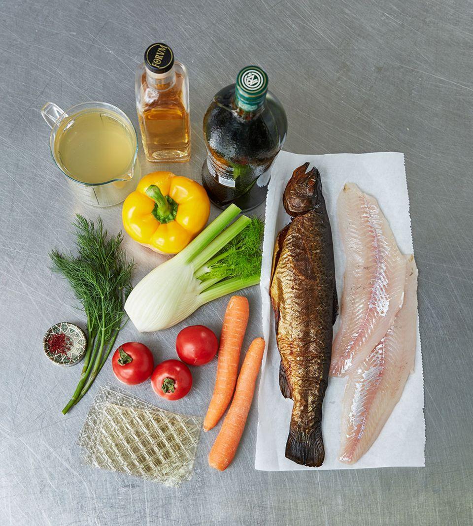 Die Grundzutaten für die Teller-Fischsülze