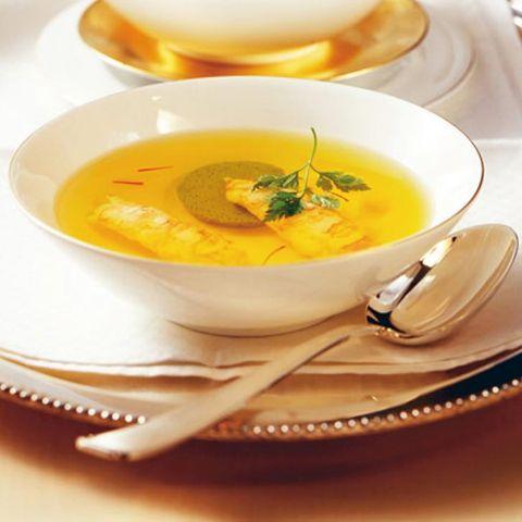 Safran: Suppen und Gemüse mit Safran