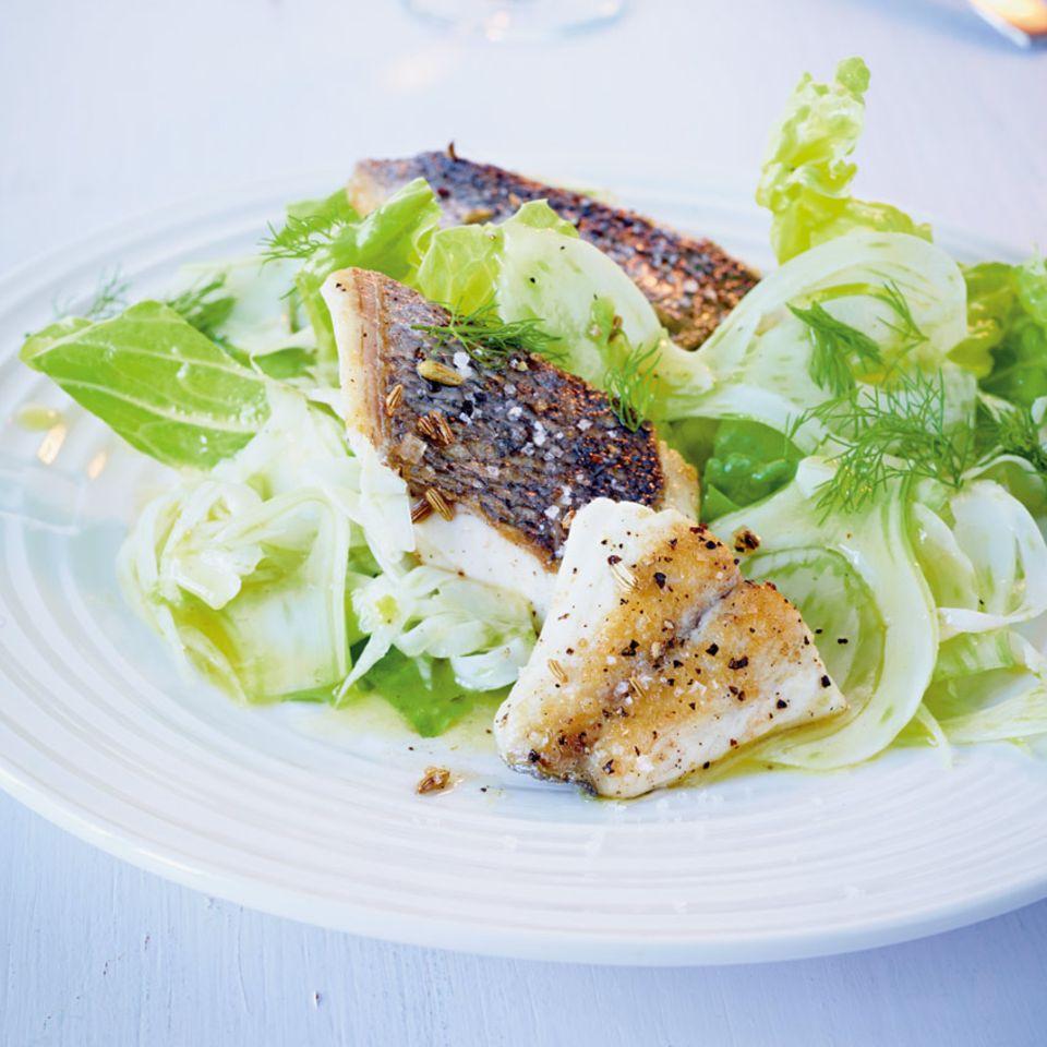 Salate mit Fisch