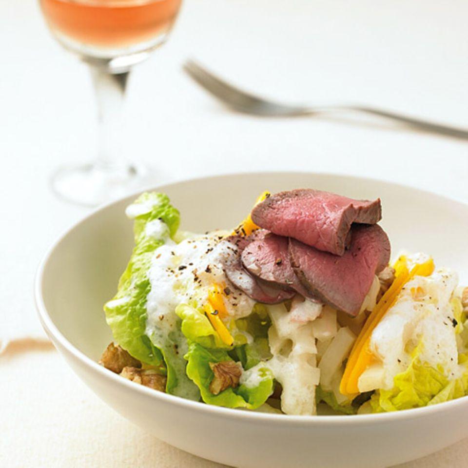 Salate mit Rindfleisch