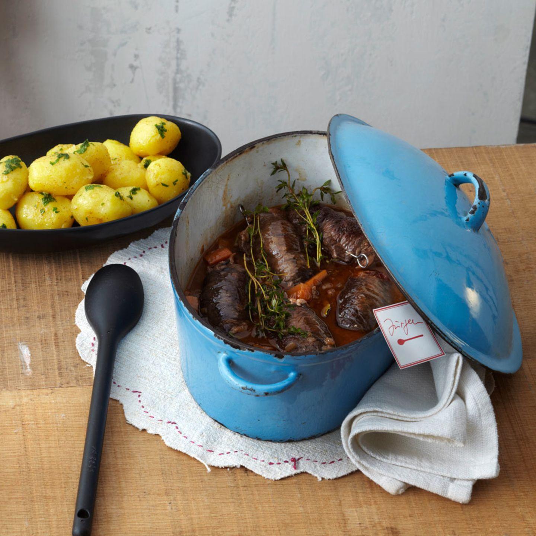 Rouladen zubereiten: füllen, wickeln & braten