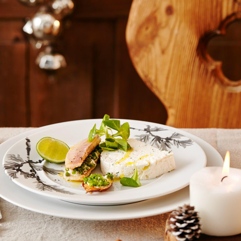 Weihnachtliche Vorspeisen mit Fisch und Meeresfrüchten