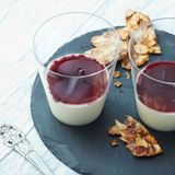 Sahne-Dessert mit Rosmarin