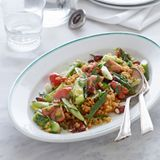 Bulgur-Salat mit Gurke und Mandeln