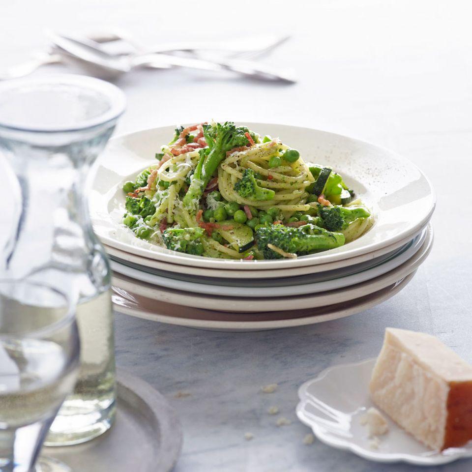 Pasta mit Brokkoli und Pesto
